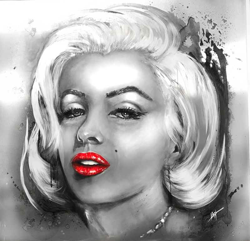 RED LIPS of MARILYN MONROE
